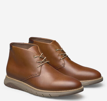 Vaughn Plain Toe Chukka